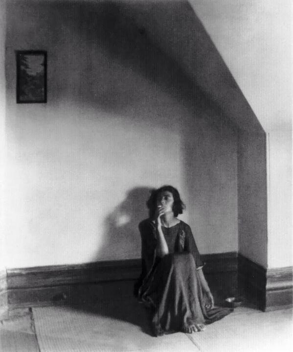 Edward Weston Betty in Her Attic , Artuu